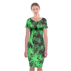Green Etched Background Classic Short Sleeve Midi Dress
