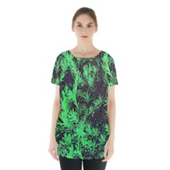 Green Etched Background Skirt Hem Sports Top