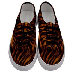 Animal Background Cat Cheetah Coat Men s Classic Low Top Sneakers