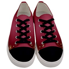 Red Background With A Pattern Men s Low Top Canvas Sneakers