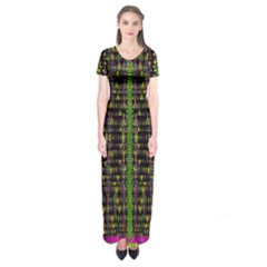 Summer Time Is Over And Cousy Fall Season Feelings Are Here Short Sleeve Maxi Dress