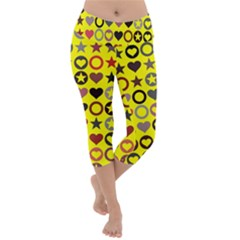 Heart Circle Star Seamless Pattern Lightweight Velour Capri Yoga Leggings