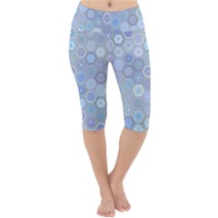 Bee Hive Background Lightweight Velour Cropped Yoga Leggings