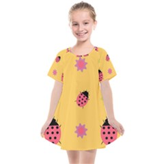 Ladybug Seamlessly Pattern Kids  Smock Dress by Sapixe