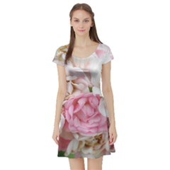 Pink And White Flowers Short Sleeve Skater Dress