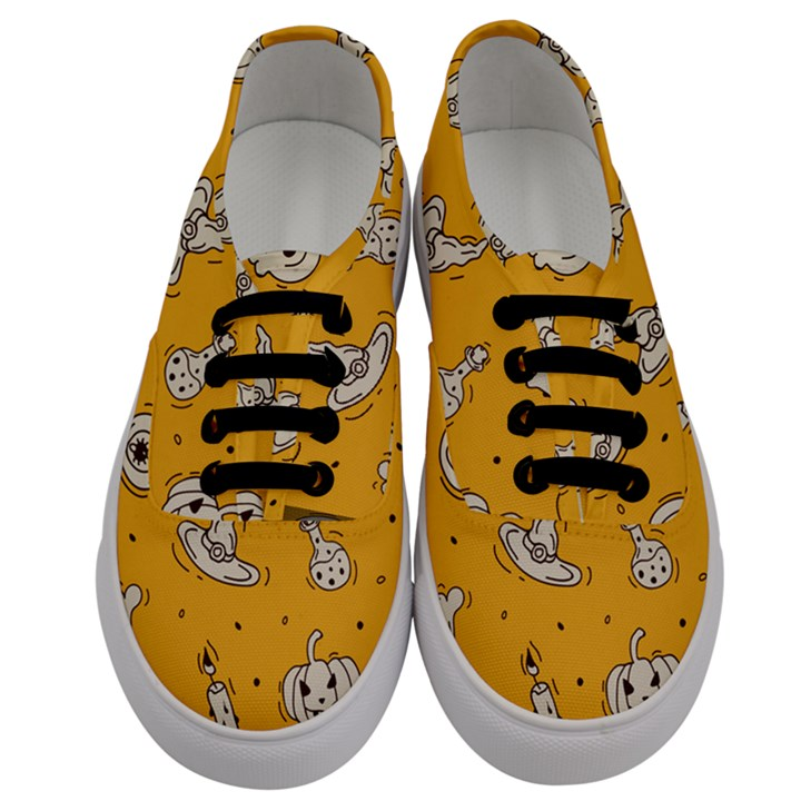 Funny Halloween Party Pattern Men s Classic Low Top Sneakers