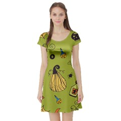 Funny Scary Spooky Halloween Party Design Short Sleeve Skater Dress