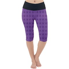 Pattern Spiders Purple And Black Halloween Gothic Modern Lightweight Velour Cropped Yoga Leggings