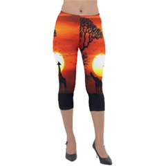 Animals Birds Dawn Giraffe Lightweight Velour Capri Leggings