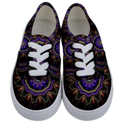 Fractal Vintage Colorful Decorative Kids  Classic Low Top Sneakers