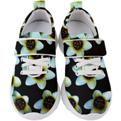 Light Blue Flowers On A Black Background Kids  Velcro Strap Shoes by Costasonlineshop