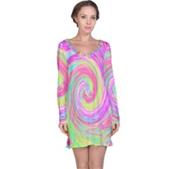 Groovy Abstract Pink And Blue Liquid Swirl Painting Long Sleeve Nightdress