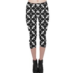 Abstract Background Arrow Capri Leggings