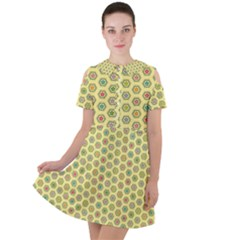 A Hexagonal Pattern Short Sleeve Shoulder Cut Out Dress