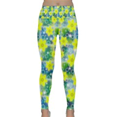 Narcissus Yellow Flowers Winter Lightweight Velour Classic Yoga Leggings