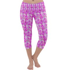 Maple Leaf Plant Seamless Pattern Pink Capri Yoga Leggings