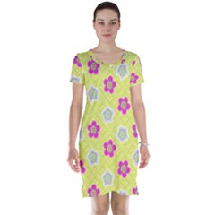 Traditional Patterns Plum Short Sleeve Nightdress
