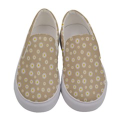 Field Of Daisies  Women s Canvas Slip Ons
