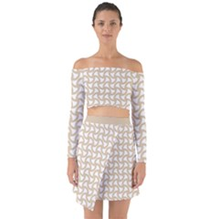 Odd Shaped Grid  Off Shoulder Top With Skirt Set by TimelessFashion