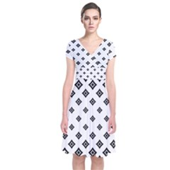 Concentric Halftone Wallpaper Short Sleeve Front Wrap Dress