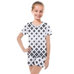 Concentric Halftone Wallpaper Kids  Mesh Tee And Shorts Set by Alisyart