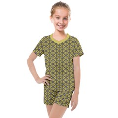 Triangle Party  Kids  Mesh Tee And Shorts Set by TimelessFashion