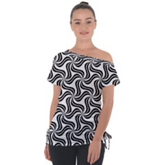 Soft Pattern Repeat Tie Up Tee by Mariart