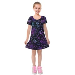 Retro Flower Pattern Fllower Kids  Short Sleeve Velvet Dress by Alisyart