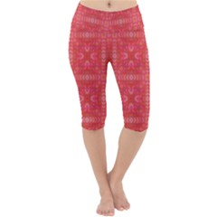 Triangle Mosaic Red Pattern Mirror Lightweight Velour Cropped Yoga Leggings