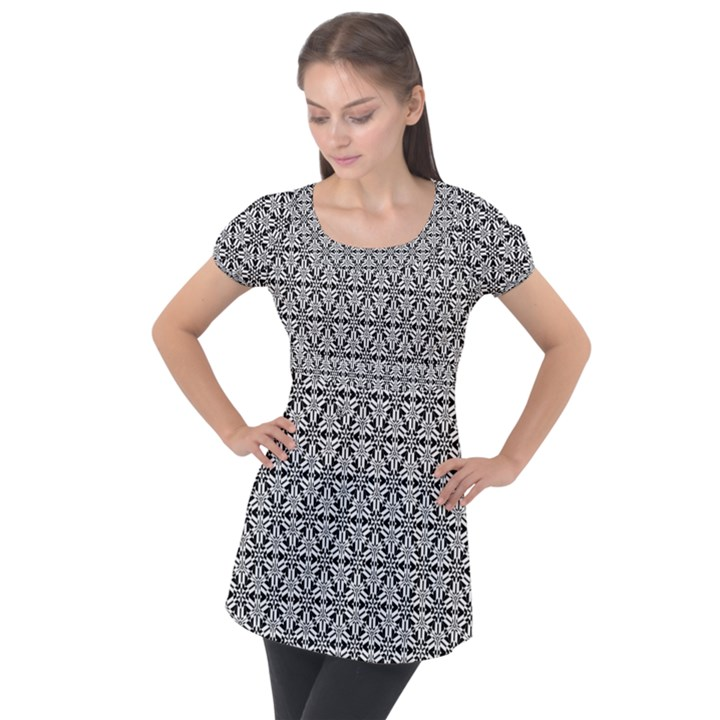 Ornamental Checkerboard Puff Sleeve Tunic Top