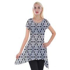 Ornamental Checkerboard Short Sleeve Side Drop Tunic