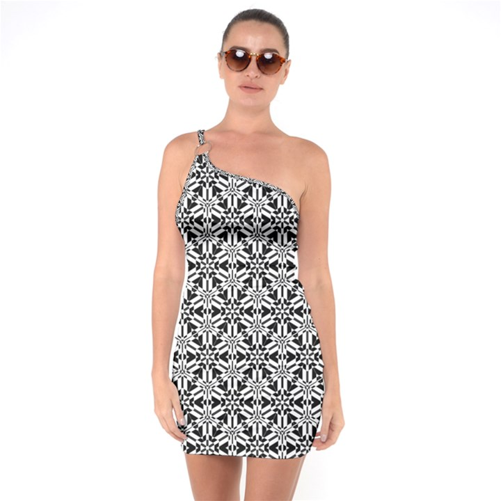 Ornamental Checkerboard One Soulder Bodycon Dress