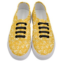 Fancy Floral Pattern Women s Classic Low Top Sneakers