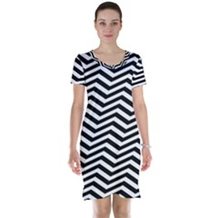 Zigzag Chevron Pattern Short Sleeve Nightdress