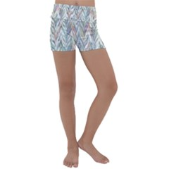 Zigzag Backdrop Pattern Grey Kids  Lightweight Velour Yoga Shorts