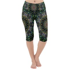 Fractal  Background Graphic Lightweight Velour Cropped Yoga Leggings by Pakrebo