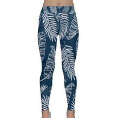 Blue And White Tropical Leaves Classic Yoga Leggings by goljakoff
