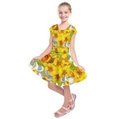 Daffodil Surprise Kids  Short Sleeve Dress by retrotoomoderndesigns