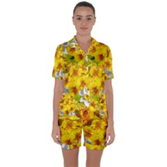 Daffodil Surprise Satin Short Sleeve Pyjamas Set