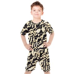 Luxury Animal Print Kids  Tee And Shorts Set by tarastyle