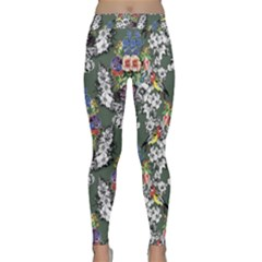 Vintage flowers and birds pattern Classic Yoga Leggings
