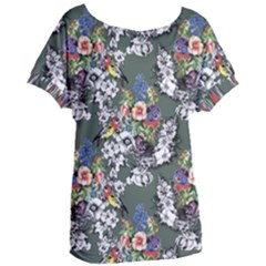 Vintage flowers and birds pattern Women s Oversized Tee