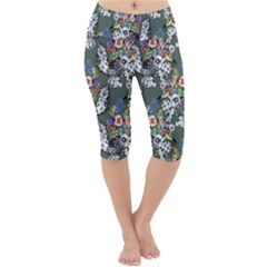 Vintage flowers and birds pattern Lightweight Velour Cropped Yoga Leggings