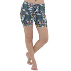 Vintage flowers and birds pattern Lightweight Velour Yoga Shorts
