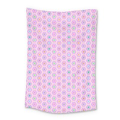 A Hexagonal Pattern Unidirectional Small Tapestry