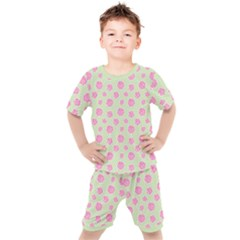 Roses Flowers Pink And Pastel Lime Green Pattern With Retro Dots Kids  Tee And Shorts Set by genx