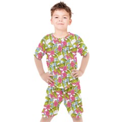 Fancy Floral Pattern Kids  Tee And Shorts Set by tarastyle