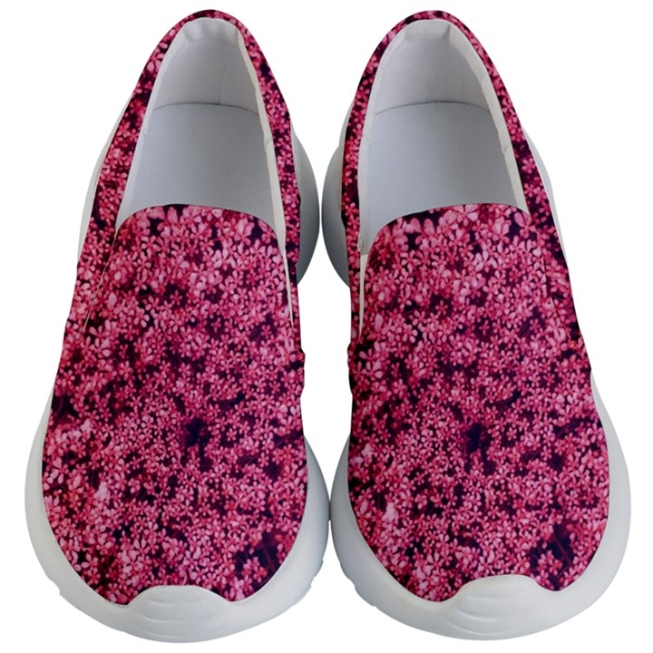 Queen Annes Lace in Red Part II Kids  Lightweight Slip Ons