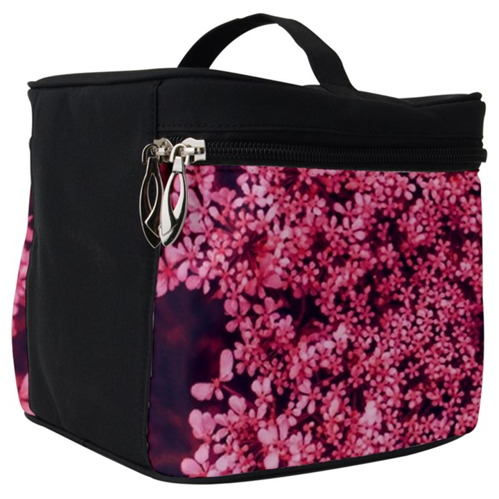 Queen Annes Lace in Red Part II Make Up Travel Bag (Big)