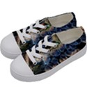 Tree Fungus Branch Kids  Low Top Canvas Sneakers View2